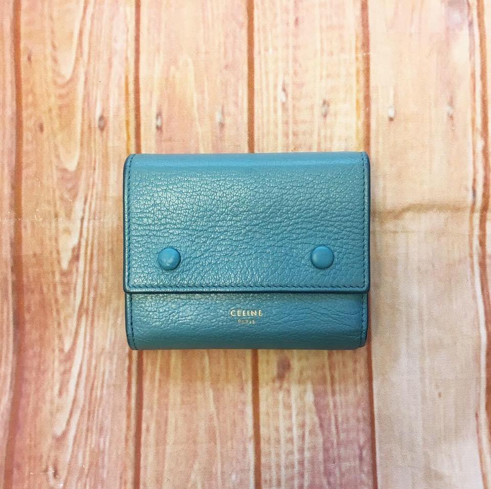 セリーヌの三つ折り財布