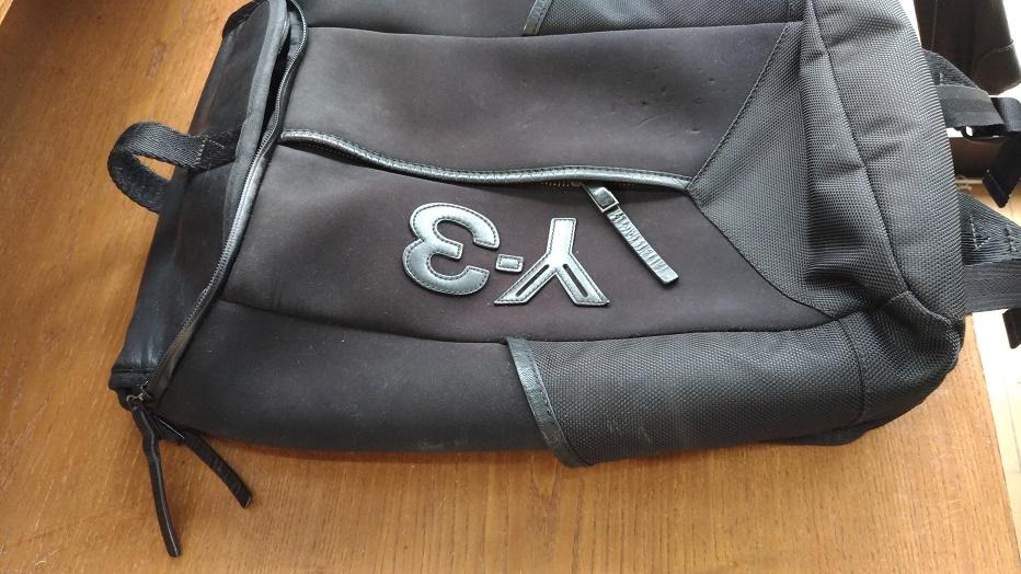 Y-3のバックパック